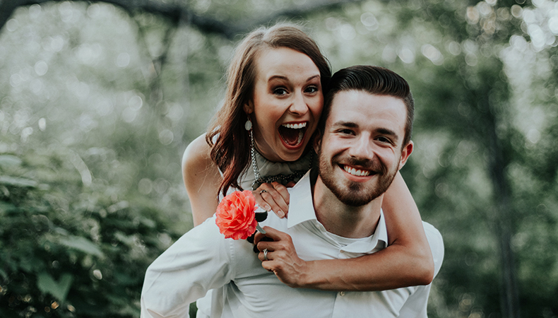 How to pose for couple photography