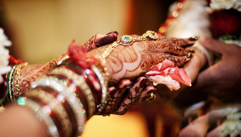 Role of Wedding Astrologers in indian wedding