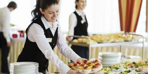 Planning to hire a caterer for your wedding? Check out these helpful tips