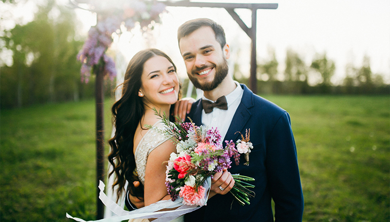 Want to look Photogenic on your wedding day We have the best advises for you