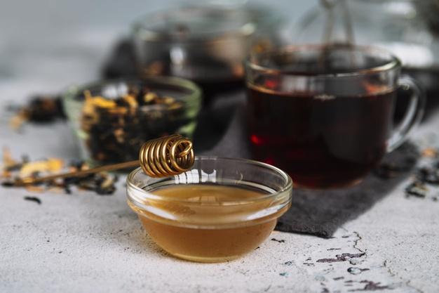 Flavored organic honey
