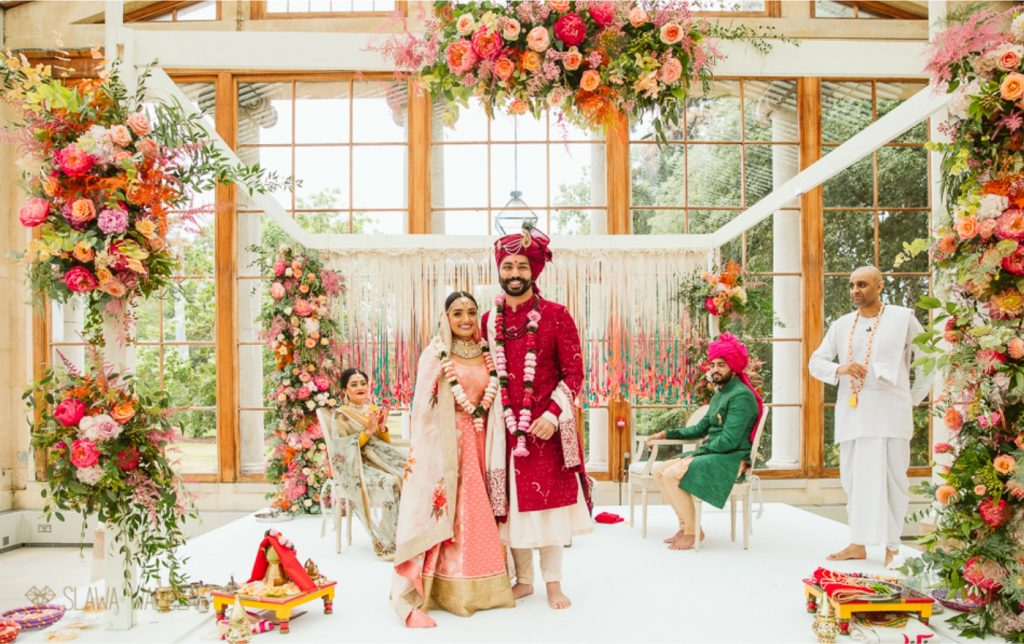 Get Best Wedding Pictures Amidst Breathtakingly Beautiful Backdrops