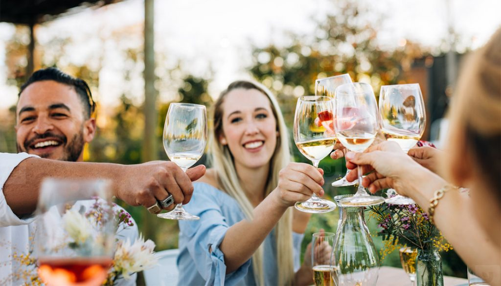 Hosting a bridal shower? Tips to plan a DIY Wine tasting