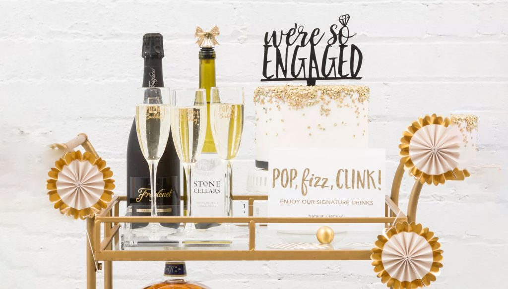Ideal gifts for couples at Engagement party