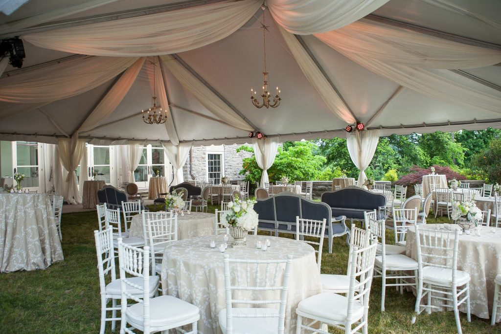 A vintage style wedding in the lawn