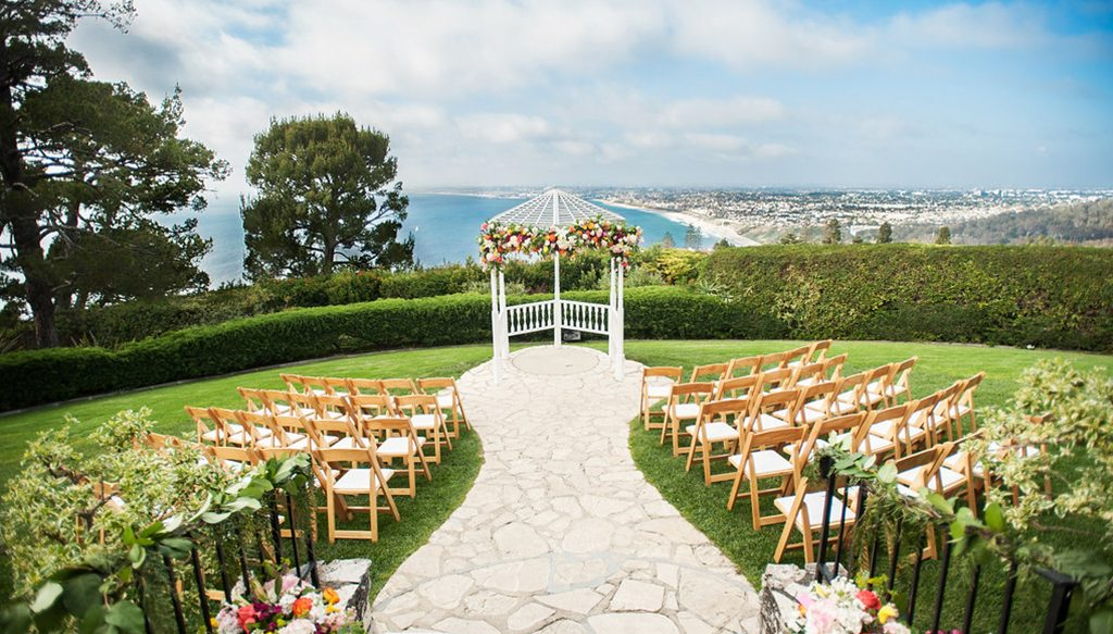 Expert advice on choosing a wedding ceremony site