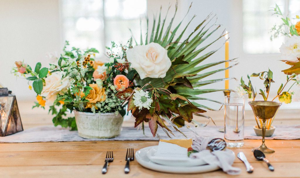 Set the wedding floral budget