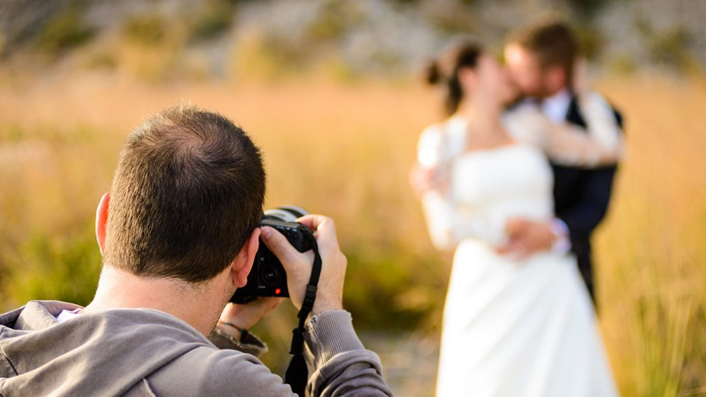 Choose the same photographer for wedding and pre-wedding shoot