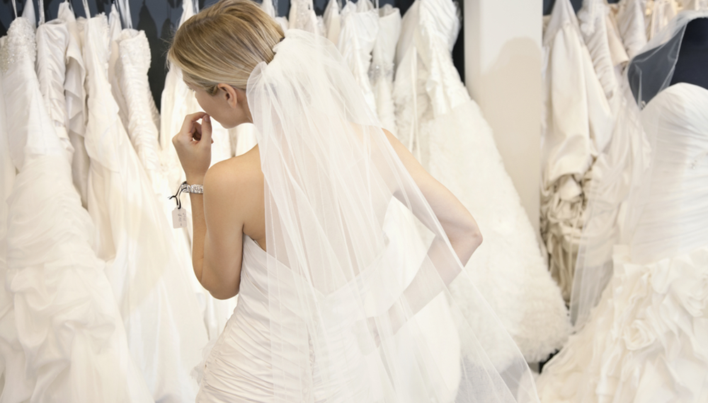 Need to buy your wedding dress - Here's the perfect timeline for shopping