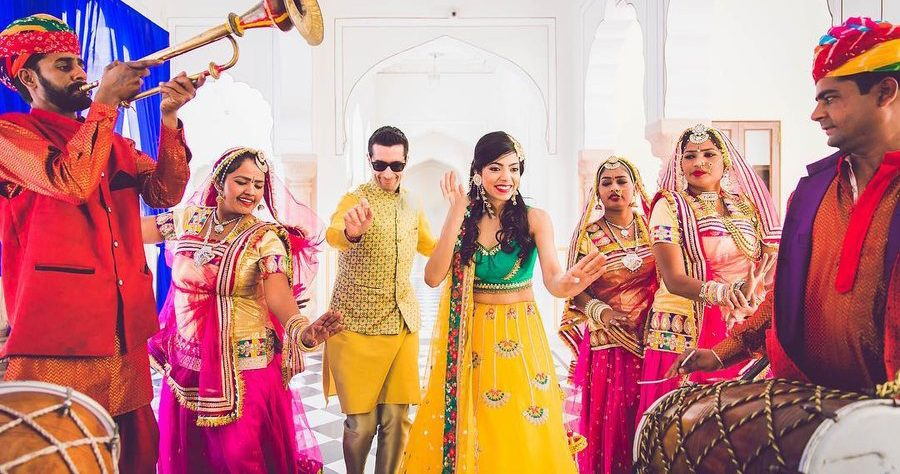 Welcome the groom with a great dhol performance