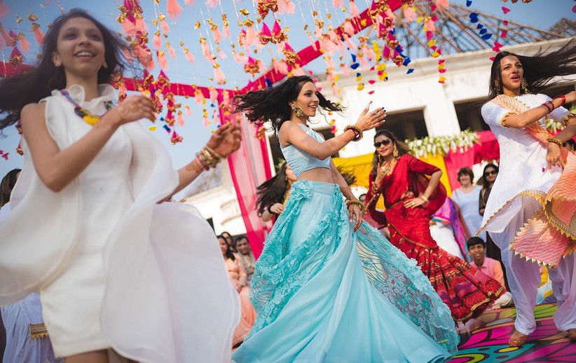 Welcome the groom with a well-choreographed dance performance