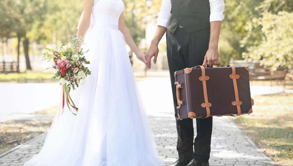 How to travel with wedding dress
