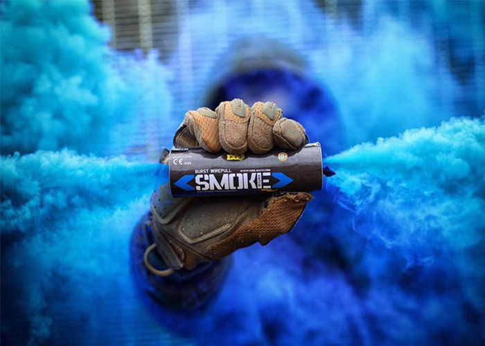 Go with vivid and vibrant color smoke grenades