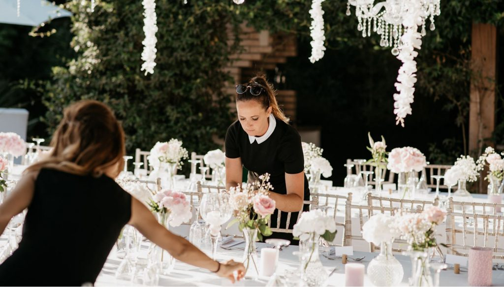 What are the things not to do when planning a wedding?