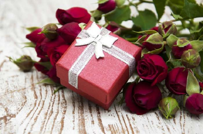 Choose the right wedding gift for the couple