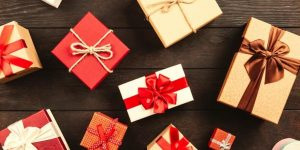 Wedding Anniversary Gifts for Parents