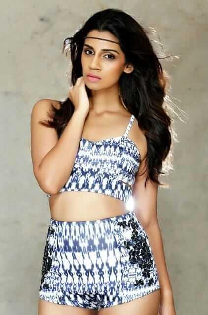 Sanjana Ganesan modeling Photos