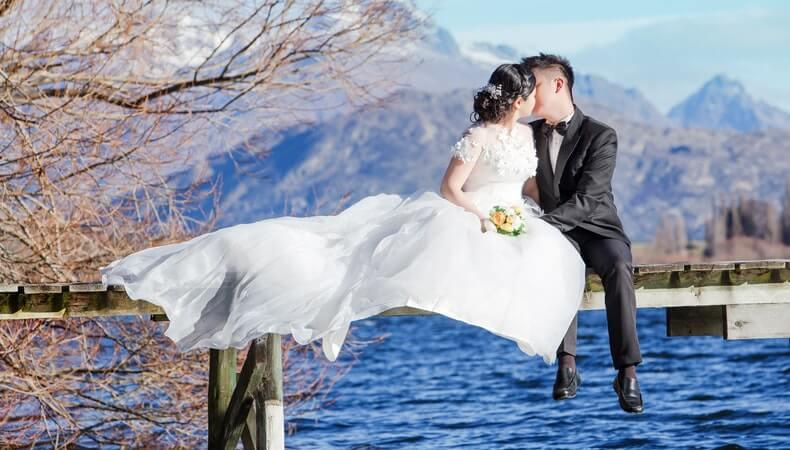 couple pre-wedding shoot ideas