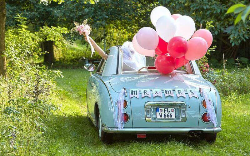 Wedding Car Décoration with Balloons