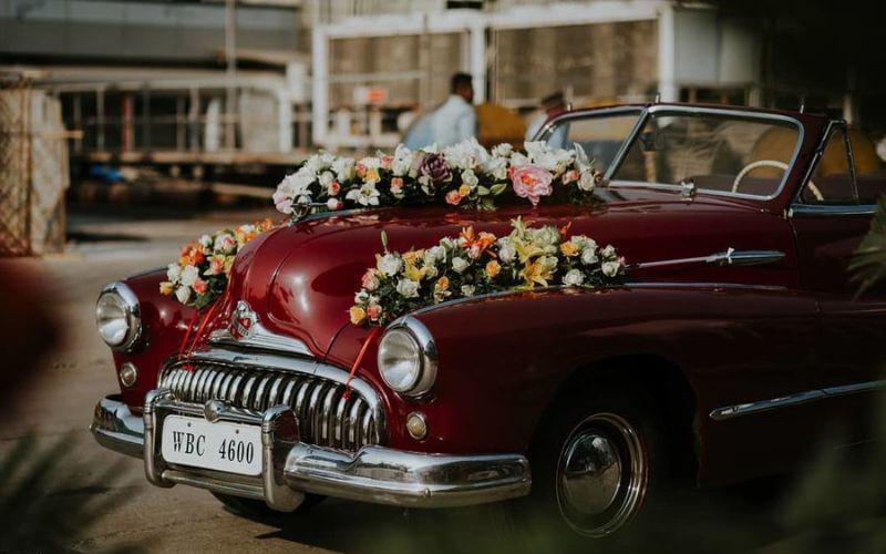Minimalistic wedding Car Décor ideas
