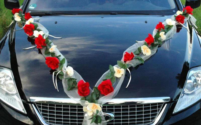 Red & White Flower Car Décor ideas