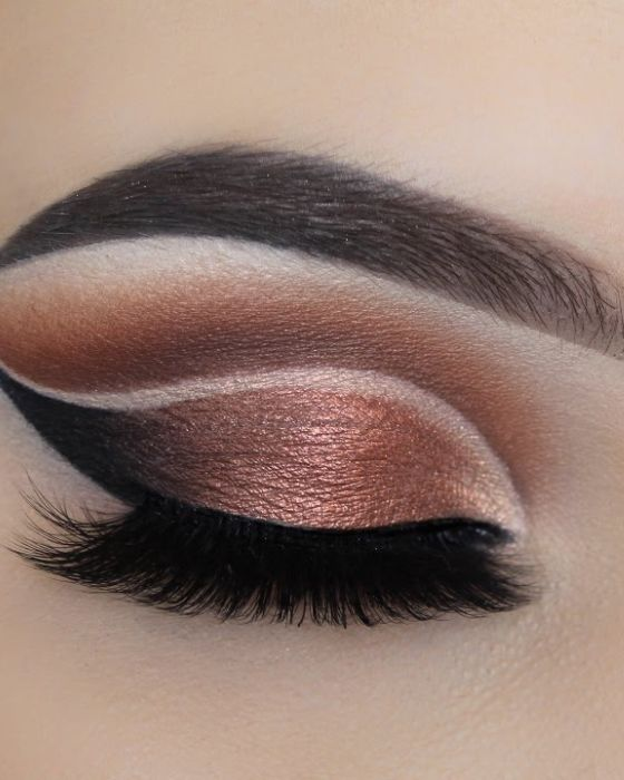 Translucent Shimmery Eyes