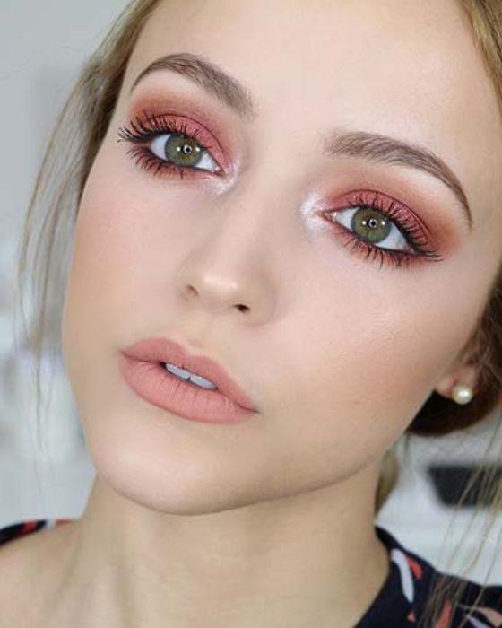 Pinkish Eye Makeup