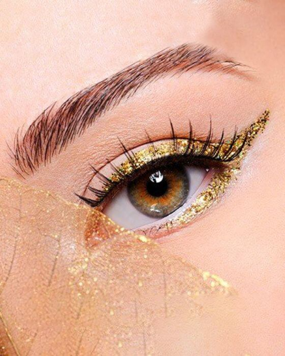 Winged Liner with Gold Glitter