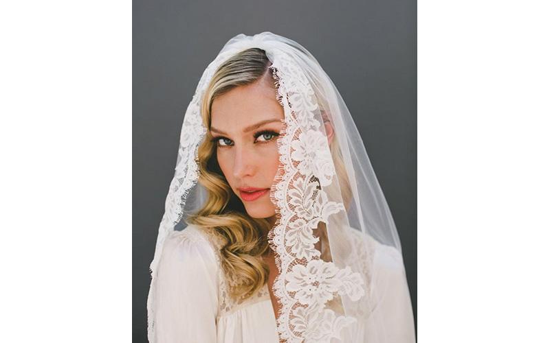 A Mantilla Veil bridal Hairstyles ideas