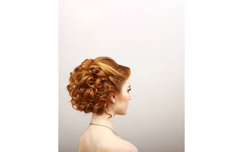An Updo Hairstyles ideas for bridal