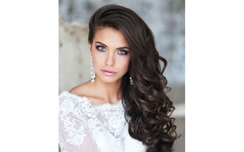 Side-Swept Curls Bridal Hair ideas