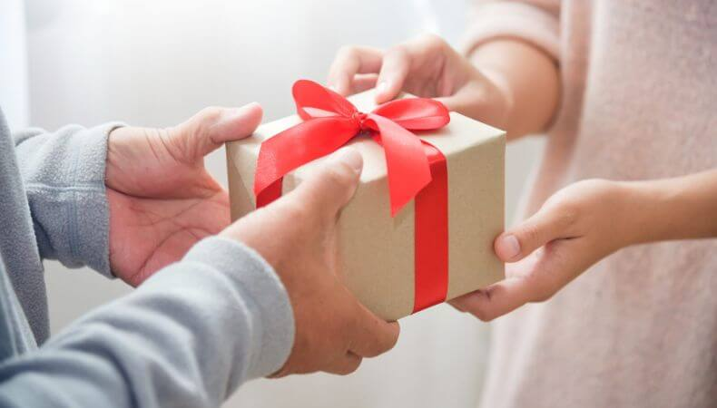 Best Wedding Anniversary Gifts Idea for Wife