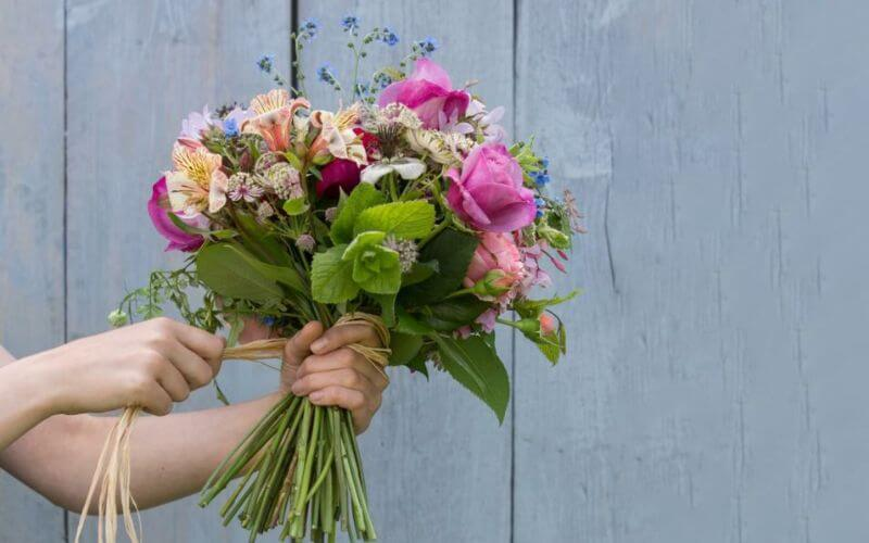 Hand-tied Bouquet for Wedding