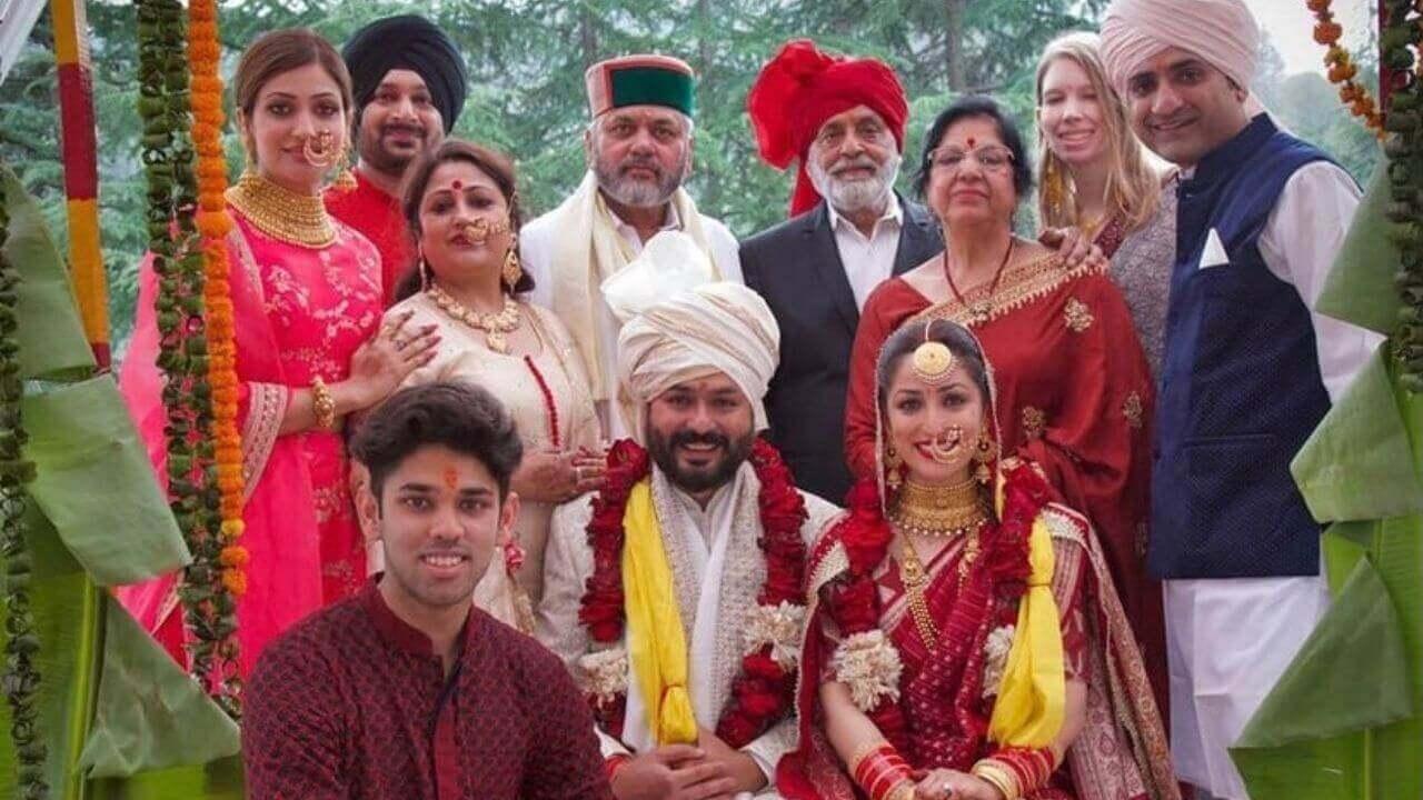 Yami Gautam with Family photo at wedding celebration
