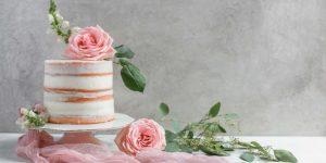 7 Best Ways to Add Flowers to Your Wedding Cake