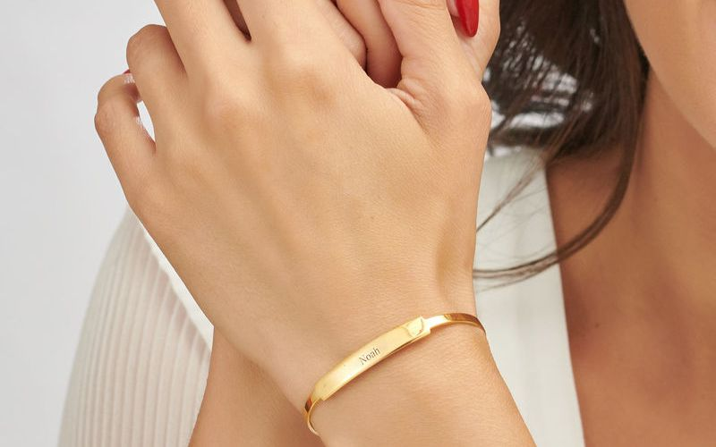 Surprise Your Bride with a Beautiful Bangle Bracelet on the Wedding day
