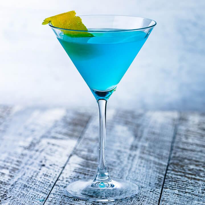 Blue cocktail -Blue Wedding Ideas