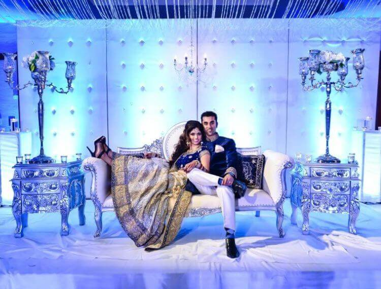 Blue-inspired backdrop for stunning wedding photos