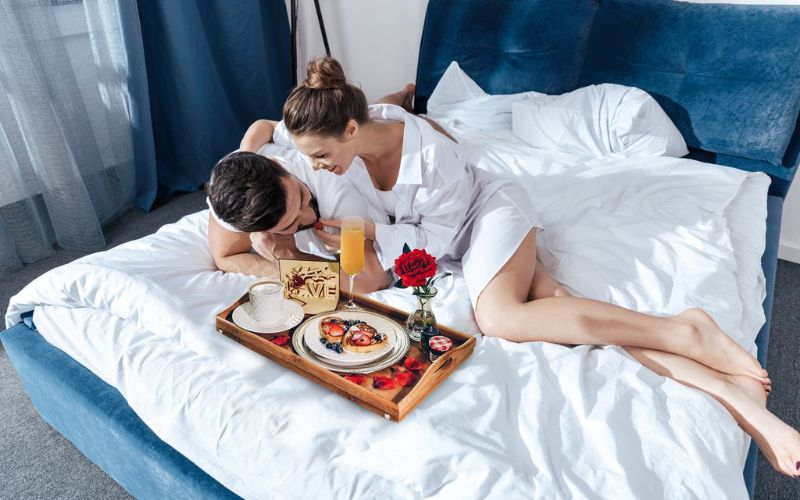 Breakfast in Bed - Wedding Surprise Ideas For The Bride