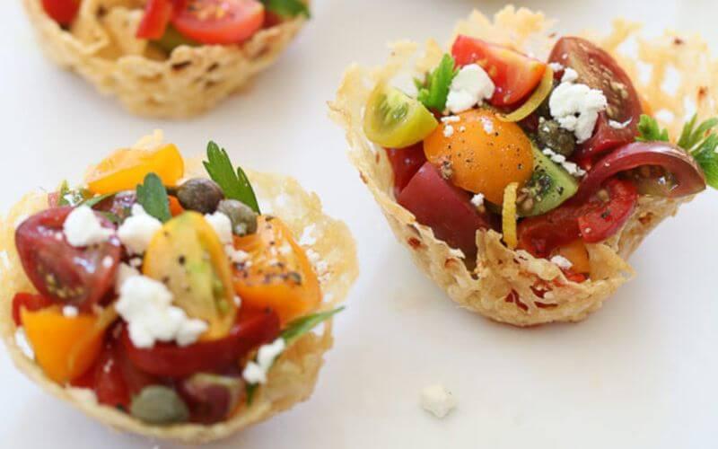 Caprese cups - Wedding reception snacks menu ideas