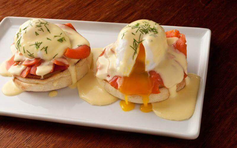 Eggs Benedict with Smoked Salmon and Dill Hollandaise