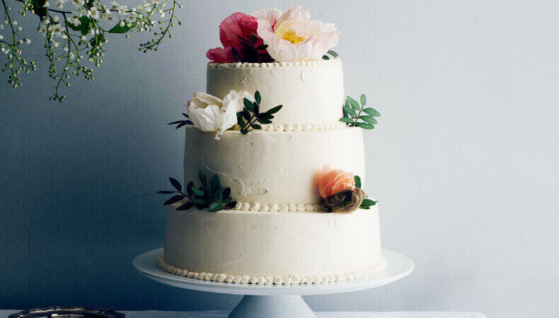 How to Freeze Wedding Cake - The Juicy Details