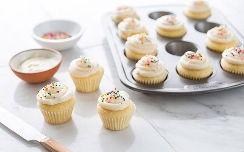 Mini Cupcakes - Wedding Reception Food Menu Ideas