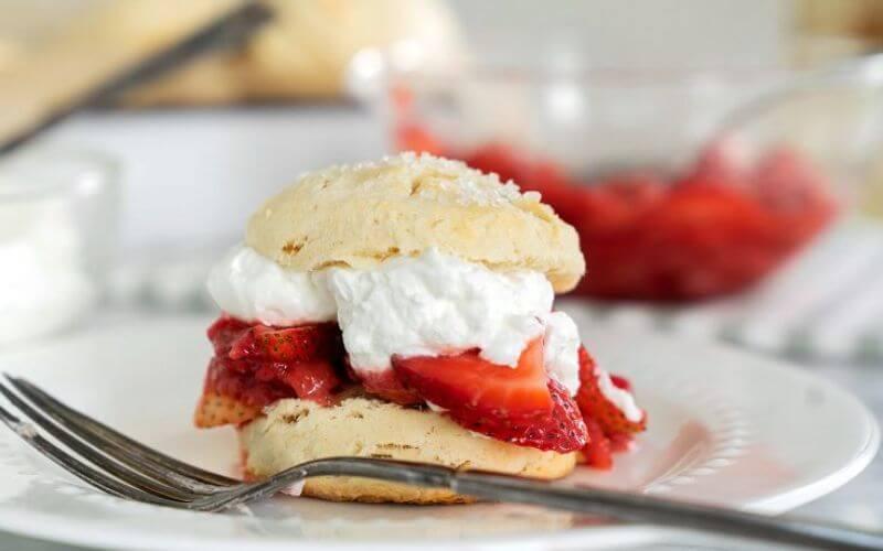 Strawberry Shortcake - Wedding dessert ideas
