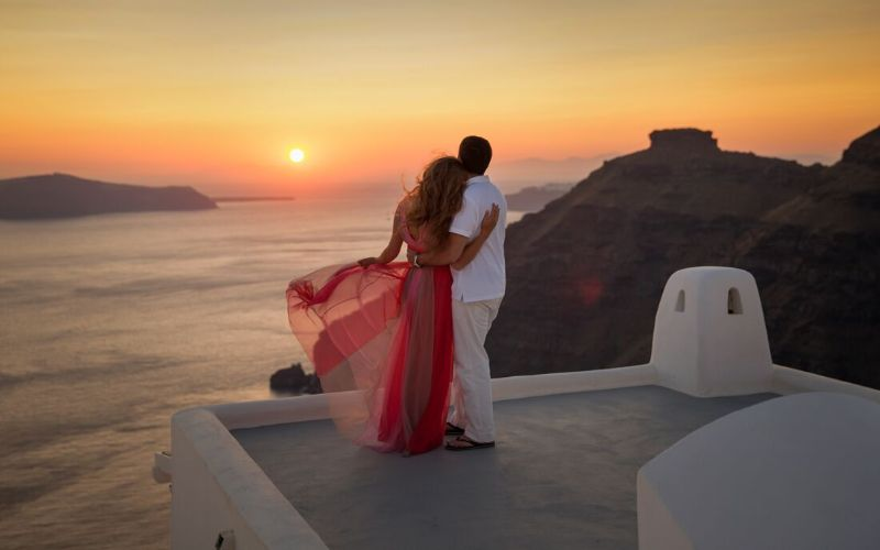Surprise her with a Honeymoon to her Favorite Destination