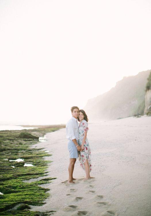 Pre-Wedding Photoshoot - Beach Dress Ideas