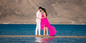 Outdoor Pre-Wedding Photoshoot Dresses Ideas