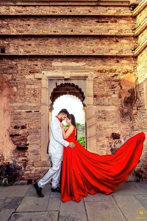 Pre-Wedding photoshoot dresses ideas - Flowy dresses