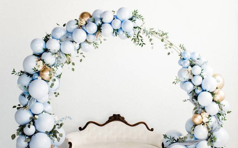 Create a stunning balloon backdrop for your wedding reception photography
